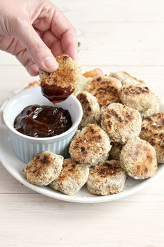 "Vegan ""Chicken"" Nuggets: crispy on the outside, tender on the inside and SO addictive!"