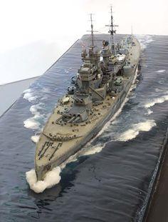 HMS Prince of Wales - Corazzata classe King George V - Entrata in servizioil 19 gennaio 1941 (completata il 31 marzo) - Dislocamento(alla costruzione) 43.786 Lunghezzafuori tutto: 227,1 m Larghezza34,3 m Pescaggio8.8 m Propulsione8 caldaie 4 turbine Parsons 4 assi elica 134.000 Shp Autonomia3,100 n.mi. a 27 nodi Equipaggio1.521 Equipaggiamento Sensori di bordoRadar Tip - Affondata il 10 dicembre 1941 da un attacco aereo giapponese