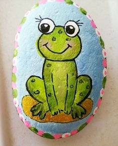 Looking for some easy painted rock ideas to get inspired by? See more ideas about Rock crafts, Painted rocks and Stone crafts. Painted Rock Animals, Painted Rocks Craft, Hand Painted Rocks, Rock Painting Patterns, Rock Painting Ideas Easy, Rock Painting Designs, Pebble Painting, Pebble Art, Stone Painting