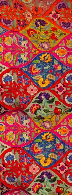 Wallpaper / Rugs / Textiles Vegan Coleslaw vegan coleslaw cookie and kate Textile Patterns, Textile Art, Color Patterns, Print Patterns, Fabric Design, Pattern Design, Color Wow, Indian Textiles, Indian Prints