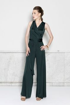 Sarah Nelsen  A multidisciplinary designer, Sarah Nelsen creates sleek, sophisticated silhouettes for the modern woman. Her garments are meticulously crafted and intended to last a lifetime. She believes in the power and beauty of slow fashion and prides herself on being involved with all stages of the design process.  A graduate of the University of Kansas' design program, Sarah also studied at the London College of Fashion. #KemperGala #WearItBright