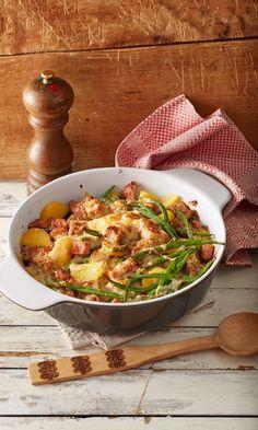 Kasselerpfanne aus dem Ofen Casserole Recipes, Meat Recipes, Cooking Recipes, Healthy Recipes, Austrian Cuisine, Good Food, Yummy Food, Oven Dishes, Gourmet