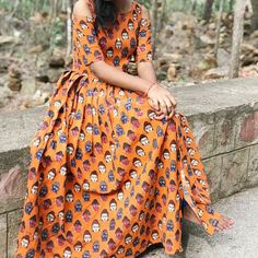 Frock Models, Style Indien, Kalamkari Designs, Kalamkari Dresses, Frocks And Gowns, Cotton Gowns, Dress Indian Style, Designs For Dresses, Anarkali Dress