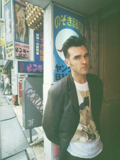 Listen to music from Morrissey like Everyday Is Like Sunday - 2011 Remaster, Suedehead - 2011 Remaster & more. Find the latest tracks, albums, and images from Morrissey. Cocteau Twins, The Smiths Morrissey, Johnny Marr, Charming Man, Music Icon, Music Music, Post Punk, Latest Music, Will Smith