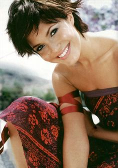 Mandy Moore - love the dark pixie cut on her