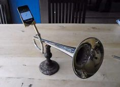 Brassy Smartphone Amplifiers - The Trumpet iPhone Speaker is a Clever Way to Take in Tunes (VIDEO)