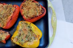 Quinoa Stuffed Peppers Quinoa Stuffed Peppers, My Refrigerator, Vegan Dishes, Healthy Alternatives, Meatloaf, Meals, Vegetables, Food, Meal