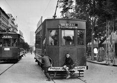 TRANVÍAS: Madrid, 1935.- Chicos subidos en tranvía de la línea, Glorieta de Bilbao - Colón - Goya, en Madrid. EFE/caa