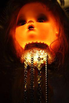 Glowing dolls heads (VI) by James.Robertson, via Flickr  cc Halloween Snacks, Theme Halloween, Halloween Doll, Holidays Halloween, Halloween Crafts, Halloween Decorations, Creepy Baby Dolls, Barbie, Gothic Dolls