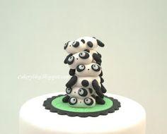 fondant panda pile cake topper {cakery blog} #howto #fondant