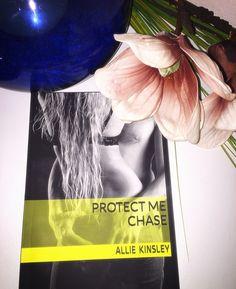 Ein kurzer erotischer Quiecki für zwischendrin ;) aus der protect me Reihe von Allie Kinsley ❤️