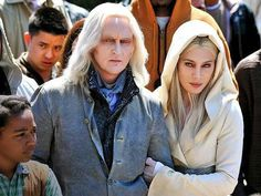 """Why does an article about """"Camouflaged Aliens"""" have a photo of 2 of the main actors for the cable series """"Defiance"""" accompanying it? - University of California Scientists: 'Camouflaged' Aliens Live Among Us Aliens And Ufos, Ancient Aliens, Aliens History, History Facts, Defiance Tv Series, Defiance Syfy, Nordic Aliens, Terre Plate, Pseudo Science"""