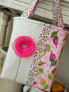 Lil Girl Springtime Tote Free Sewing Tutorial - by Suzanne of Just Another Hang Up  + Free Fabric Flower Tutorial