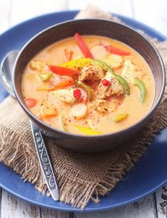 Thaisuppe med proteinrundstykke