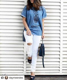 zpr Olha que incrível a combinação da blogger @daymeendes sempre arrasando nos looks!!  .  T-shirt abacaxi 169,90!! Calça skinny 179,90!! . . . Peça disponível para pronta entrega. ➖➖➖➖➖➖➖➖➖➖➖➖➖➖➖ . ➖➖➖➖➖➖➖➖➖➖ Vendas online pelo Website, Instagram e whatsapp. Website bit.ly/ydhstore Whatsapp +55(61)999163047 E-mail: contato@yolandadinhahstore.com. br ➖➖➖➖➖➖➖➖➖➖ Frete grátis para todo Brasil nas compras acima de 300,00✈✈ Pagamento em boleto bancário, cartão de débito à vista e cartão de…