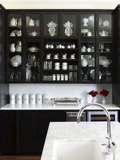 Декор черно-белой кухни
