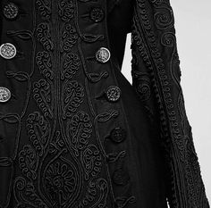 Ensemble ca. 1880 Beautiful braid work, now I want to see the rest of the outfit. Moda Fashion, Womens Fashion, Fashion Trends, Coat Dress, Dress Up, Victorian Fashion, Vintage Fashion, Vintage Dresses, Vintage Outfits