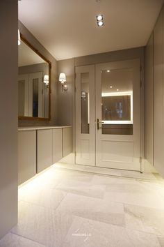 Design interior hall home 30 Ideas for 2019 Modern Exterior Doors, Double Doors Interior, Exterior House Colors, Exterior Paint, Green House Color, Brick House Designs, French Doors Bedroom, Bungalow Renovation, Glass Cabinet Doors