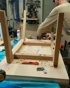 Woodworking Videos, Woodworking Projects, Garage Workshop, Boat Plans, Shed Plans, Ideas Para, Diy Home Decor, Furniture Design, Table