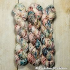 Visit our store now for your sleckled hand-dyed yarns. Biscotte Yarns provides speckled hand-dyed yarns for knitting enthusiasts. Knitting Needles, Knitting Yarn, Knitting Patterns, Ravelry, Lots Of Socks, How To Start Knitting, Sock Yarn, Hand Dyed Yarn, Needles Sizes