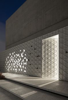 Light and movement can be glimpsed through triangular openings in the white aluminium facade of House, a Tel Aviv home by Pitsou Kedem Architects. Pitsou Kedem, Shelter Design, Facade Lighting, Facade Architecture, Light Art, Tel Aviv, Aluminium, Home Interior Design, Future House