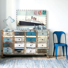 YOU KNOW I LOVE THE DRAWERS AND THE COLORS OF PAINT CHIPPING............DONT GET MUCH BETTER THAN THIS!