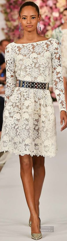 Oscar de la Renta.Spring 2015 lace prom dress