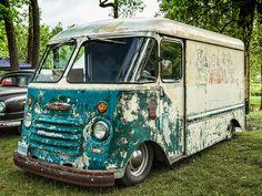 Dubl-Duti Step Van, Hot Rod with patina. Mini Trucks, Old Trucks, Jeep Truck, Chevy Trucks, Station Wagon, 4x4 Camper Van, Step Van, Camper Van Conversion Diy, Panel Truck
