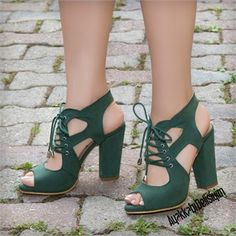Granada Green Lace thick heeled shoes