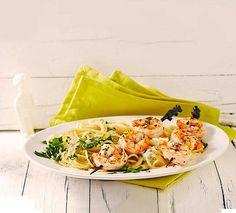 Lemon spaghetti with herb shrimps, a tasty recipe from the category . Lemon Spaghetti, Bastilla, Tasty, Yummy Food, Cordon Bleu, Recipes From Heaven, Pasta Dishes, Pasta Recipes, Drink Recipes
