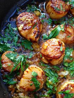 Garlic Scallops Recipe, a healthy quick recipe for the best pan seared garlic scallops in butter ghee garlic sauce with a hint of fresh lemon & parsley !