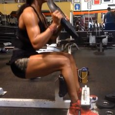 Mankofit Quad and Shoulder training LOVE HER!
