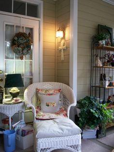 Screened Porch, Small screened porch