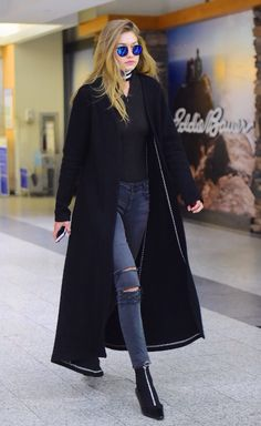 March 24: Gigi Hadid spotted at the airport of Chicago