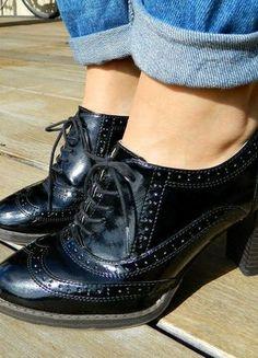 A vendre sur #vinted ! http://www.vinted.fr/femme/escarpins-and-talons/15811068-derbies-vernies-noires-a-talon