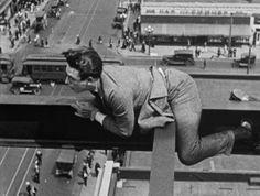 """Harold Lloyd in """"Never Weaken."""""""