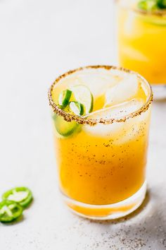 Spicy Mango Margarita Cheers with a Spicy Mango Jalapeno Margarita at your next party - such an easy, refreshing recipe! Mezcal Cocktails, Mezcal Margarita, Drinks Alcohol Recipes, Cocktail Recipes, Drink Recipes, Cocktail Ideas, Cocktail Menu, Juice Recipes, Summer Drinks