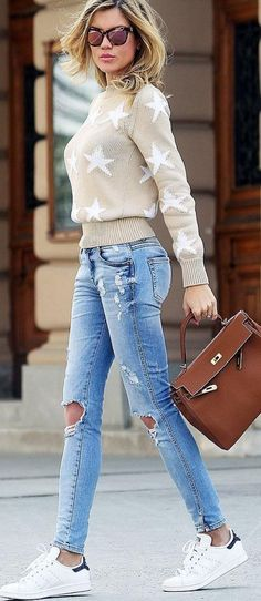 #bs0811 #street #style #fashion #inspiration | Stars + denim + sneakers