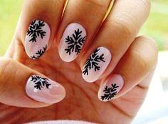 cách vẽ móng tay hoa tuyết: http://daotaonail.net/3-cach-ve-mong-tay-hinh-hoa-cho-cac-nang-them-xinh/