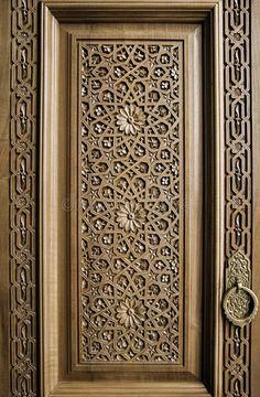 Main Entrance Door Design, Wooden Main Door Design, Wood Carving Designs, Wood Carving Tools, Door Design Interior, Interior Exterior, Wooden Doors, Arabesque, Stock Photos