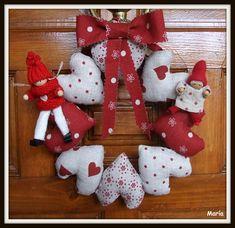 Corona de Navidad-1 Christmas Stockings, Christmas Wreaths, Christmas Crafts, Christmas Decorations, Christmas Ornaments, Holiday Decor, All Things Christmas, Christmas Time, Xmas