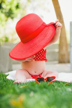 Bathing suits and big hats :: so girly