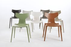 2017-04-06 - Kartell has developed a revolutionary material unique in the furniture industry, and is presenting a furniture project sustainable in an industrial perspective and that of top quality and high creative value. The Bio Chair designed by Antonio Citterio has now arrived in its final version, the result of research into