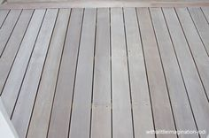 WHITE WASHED DECKING // decking made to look weathered - used Wattyl Weatherguard Decking Water-based Stain in Snow Gum - gives a white washed look Deck Stain Colors, Deck Colors, House Colors, Colours, White Deck, White Pergola, Deck Pergola, Front Deck, Decks And Porches