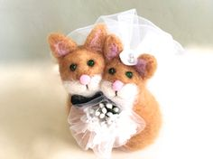 Needle felted cat wedding cake topper cat cake topper by Felt4Soul