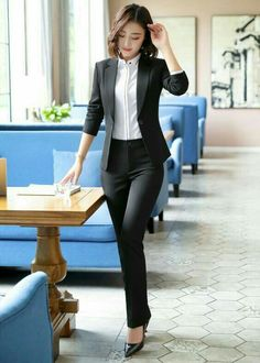Casual Office Fashion, Office Outfits Women, Stylish Work Outfits, Office Fashion Women, Work Fashion, Classy Outfits, Fashion Wear, Office Chic, Outfit Office
