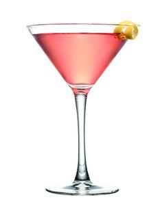 Parliamo del Cosmopolitan creato appunto intorno al 1985, ma le cui origini alcuni affermano risalgano ai primi anni 70, questo trendy cocktail servito nell'elegante coppa martini bello nel suo colore forte nella vodka ammorbidita dalla presenza del mirtillo e del triple sec.