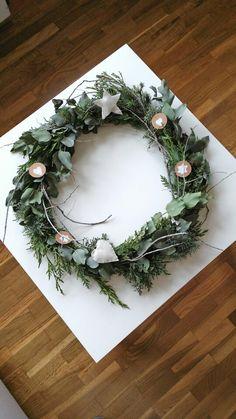 I Love Christmas wreaths and christmas ornaments. Are the perfect DIY. My Scandinavian Xmas! Inspiración nórdica para navidad.