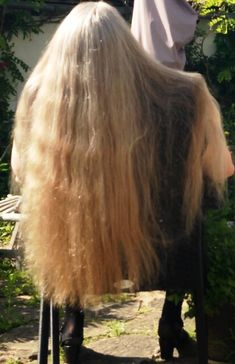 No hair cut ever ! Long Blond, Long Dark Hair, Very Long Hair, Thick Hair, Permed Hairstyles, Funky Hairstyles, Formal Hairstyles, Wedding Hairstyles, Beautiful Long Hair