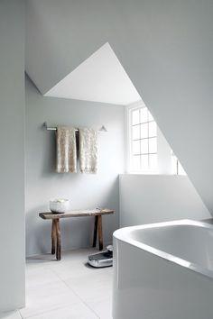 minimal attic bathroom (via blissfulb)